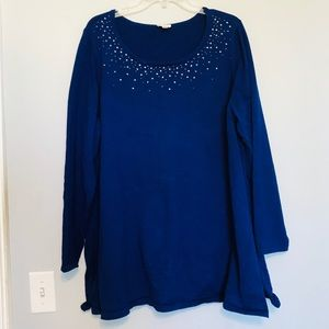 Beautiful royal blue Avenue sweater